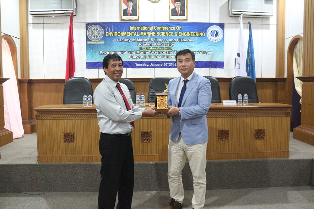 "JALIN KERJASAMA DENGAN PUKYONG NATIONAL UNIVERSITY, KOREA SELATAN, FAKULTAS KELAUTAN DAN PERIKANAN UNIVERSITAS UDAYANA SELENGGARAKAN ""INTERNATIONAL CONFERENCE OF ENVRONMENTAL MARINE SCIENCE AND TECHNOLOGY"""